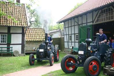 Traktorenmuseum geöffnet (Lotter Straße 20)